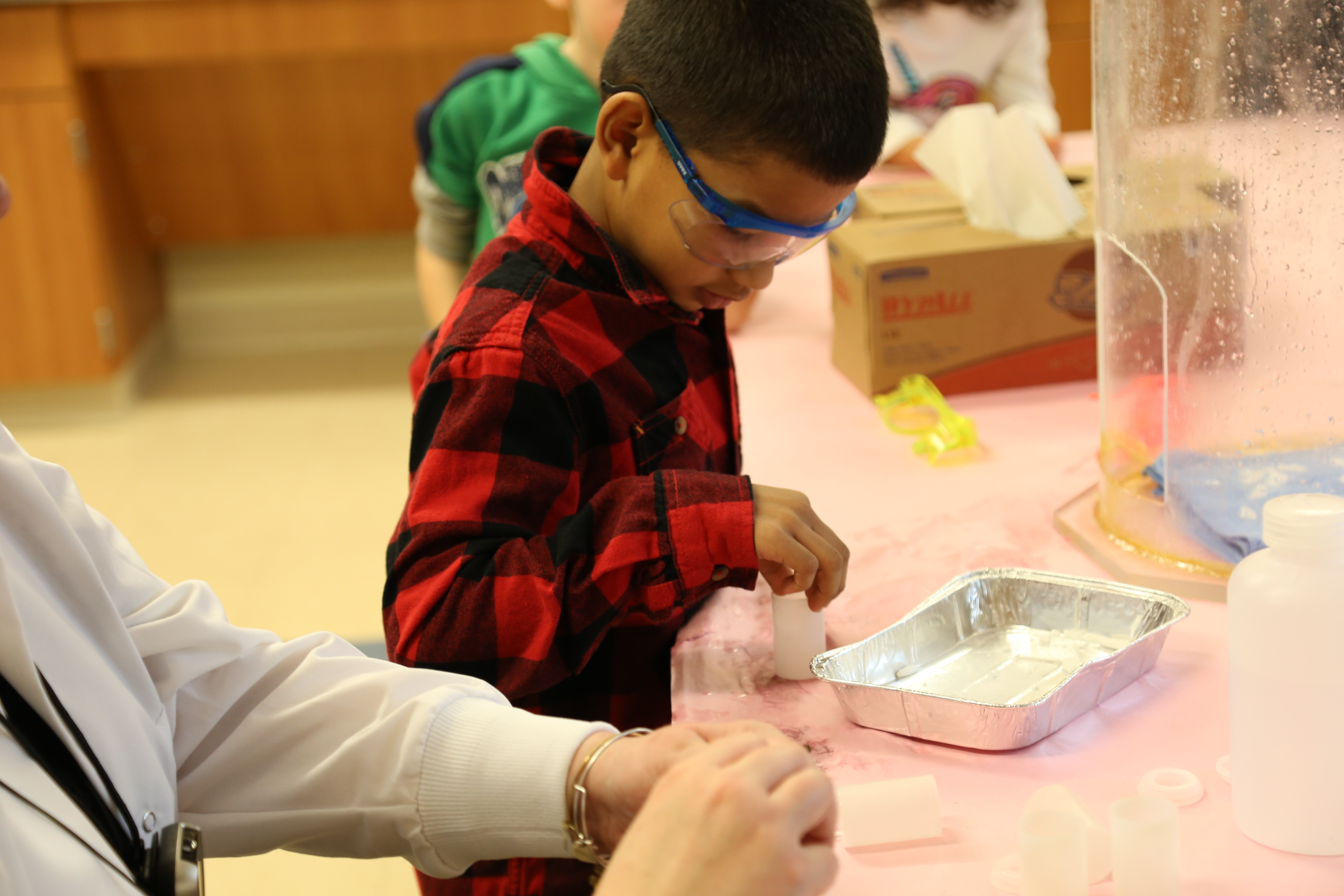 First Grade: Covestro STEM Activities 1/31/17